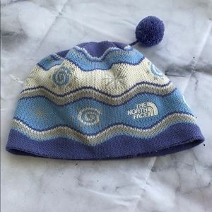 The North face hat with Pom Pom